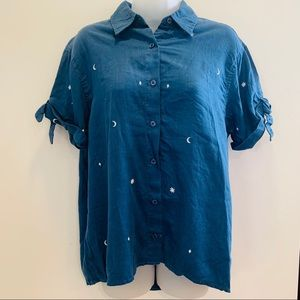 NWOT Level 99 Brie Embroidered Night Sky Blouse